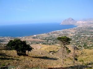 Panorama con Monte Cofano di giorno