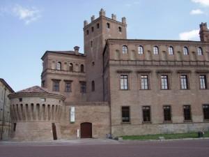 lato ovest del castello di rodolfo Pio