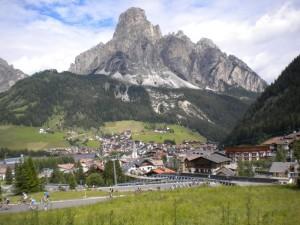 Corvara… dalla strada verso il Campolongo
