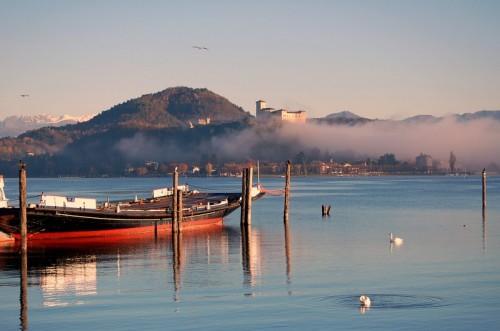 Angera - Il lago Maggiore ad Arona (di fronte Angera)