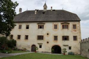 castello di Velturno, facciata dal cortile interno