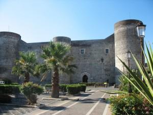 Catania castello Ursino prospetto anteriore