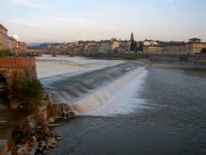 Il fiume attraversa la città
