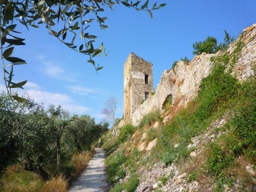 Pontedassio - Castello di Bestagno
