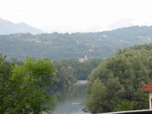 Lago e chiesa di Vistrorio