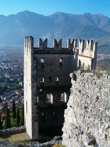 Arco - dietro alla torre