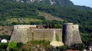 Un castello sulla superstrada