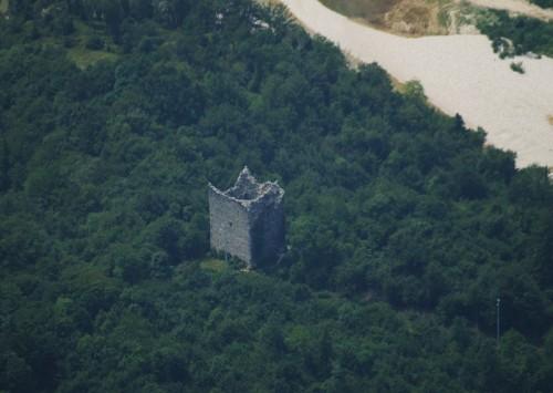 Valdastico - L'antica Torre di Pedescala - (Vista dal Forte Corbin)