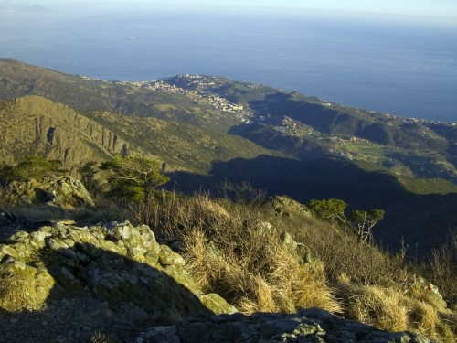 Cogoleto - Una montagna sul mare: il m.te Beigua