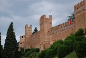 le mura del castello di Gradara