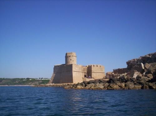 Isola di Capo Rizzuto - Visto dal mare.. Castello Aragonese (Le Castella)