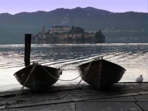 Vicine-Vicine - Orta - Isola S. Giulio
