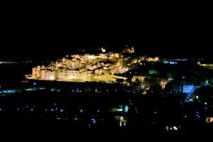 Ostuni la Città Bianca di notte