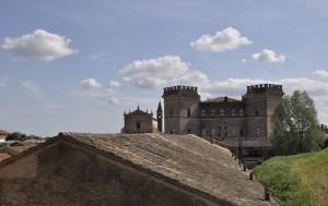 Castello di Mesola, vista dall'argine del Po di Goro