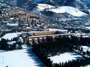 neve sulla Certosa di Padula