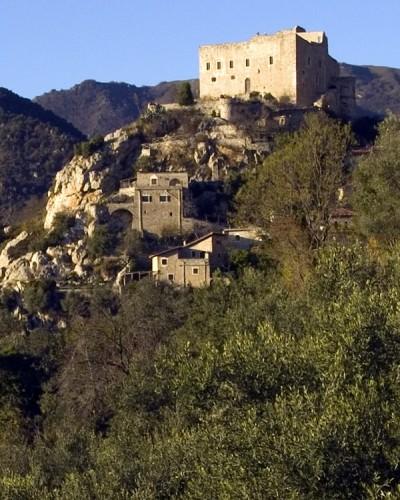 Castelvecchio di Rocca Barbena - Ancora il vecchio castello