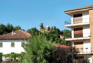 quel che rimane del castello di vesime(i resti del XIV secolo).