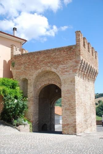 Castel Colonna - torre Malatestiana