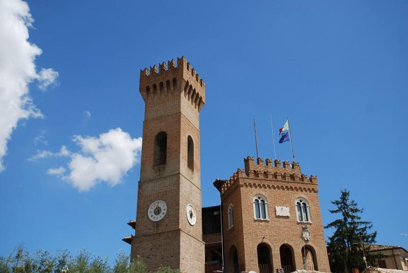 ''il castello e la sua torre'' - Ripe