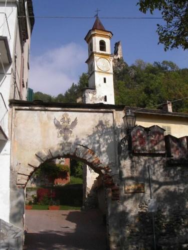 Monterosso Grana - Monterosso Grana, Val Grana: castello dei conti di Monterosso