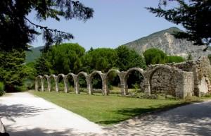 Castel San Vincenzo:panorama del territorio dell'Abbazia