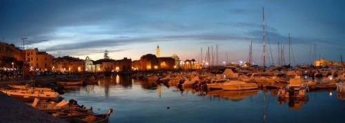 Trani - Panorama del porto in notturna