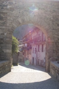Donnas, ingresso centro storico