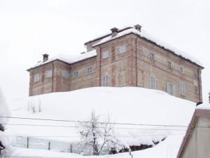 il castello sotto la neve