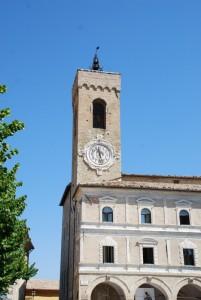 la bella torre col bell'orologio