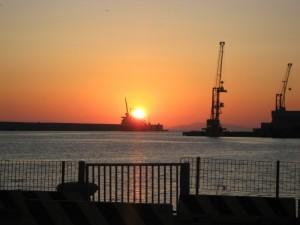 Tramonto al porto di Civitavecchia