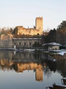 Il castello si specchia nell'Adda