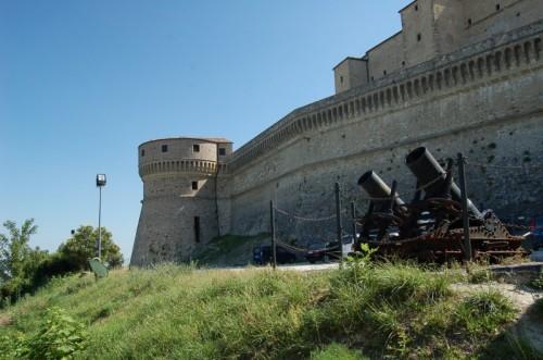San Leo - Cinta muraria del  Forte di San Leo