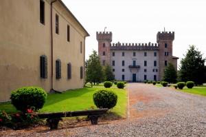 Il Castello Visconti - Castelbarco  a Cislago