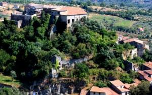 resti fortificati del borgo medievale di Sant'Angelo a Fasanella