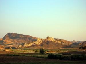 Riesi, Giù verso le miniere e la valle del Salso