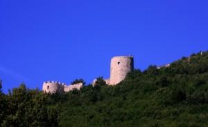 le torri Svevo-Angioine dell'immenso castello dei Sanseverino