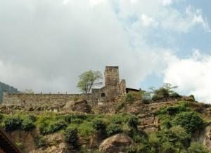 rovine del Castello di San Pietro