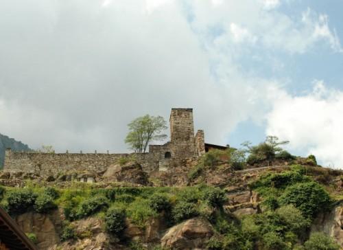 Quassolo - rovine del Castello di San Pietro