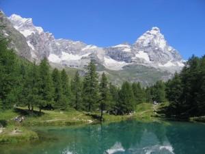 Lago blu e il Cervino