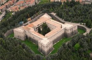 Castello cinqucentesco dopo il tremendo terremoto del 6 Aprile.