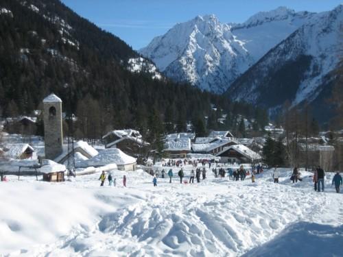 Macugnaga - Quanta neve in paese!!