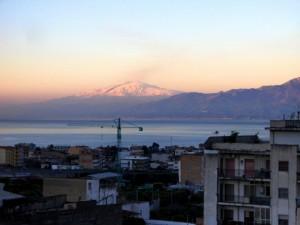 l'Etna visto da Reggio Calabria