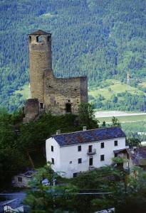 Castello di Châtelard nei pressi di La Salle, giugno 2002