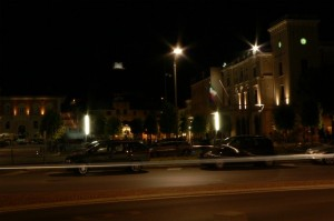 Monfy by night
