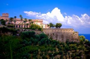 Castello Giusso, a picco sul mare