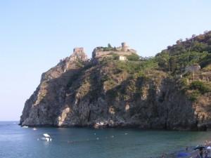 Il castello e il promontorio.