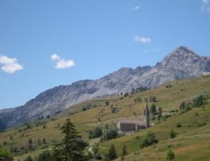 Sauze di Cesana e la chiesetta di San Restituto