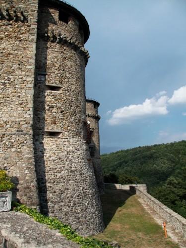 Compiano - il castello di compiano II