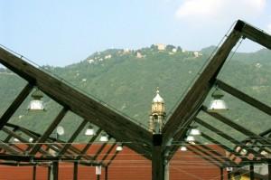 Uno sguardo verso Brunate da Como