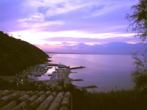 Porto di baia Vallugola al tramonto